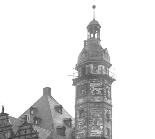 Abb.2: Rathaus in Altenburg mit Rathausturm sowie integrierter Rathausuhr und Rathausglocke.