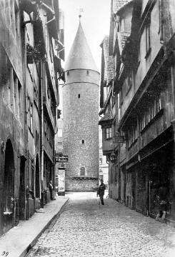 """Bild [5]: """"Druselturm"""" in Kassel mit einem Durchmesser von 9,20 Meter."""