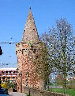 Bild [6]: Pulvertrum in Seligenstadt